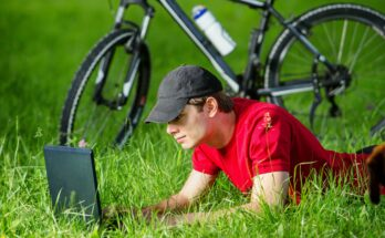 researching-bike-maintenance-online